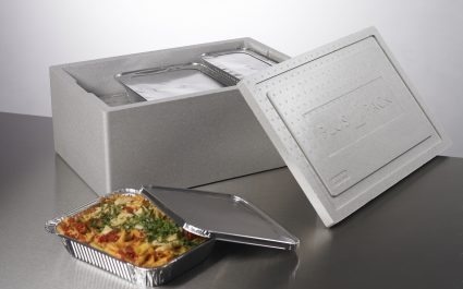 Hot pasta dish in aluminium tray with lid and thermo box