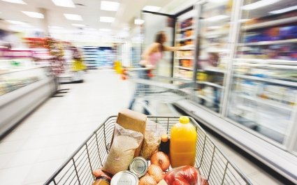 Supermarket and trolley - Plus Pack