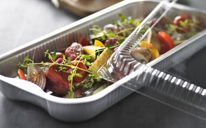 Ready to cook meal with plastic lid and aluminium tray - Plus Pack