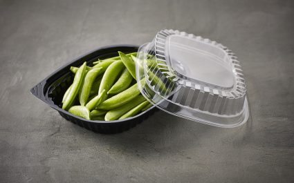 Tray with lid containing peas in shell - Plus Pack