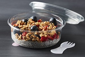 DeliWave food packaging - SafeSnack with integrated spork for eating on-the-go - delicious oats - Plus Pack