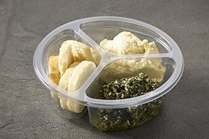 DeliWave food packaging - 3-compartment tray with dip and crackers -Plus Pack